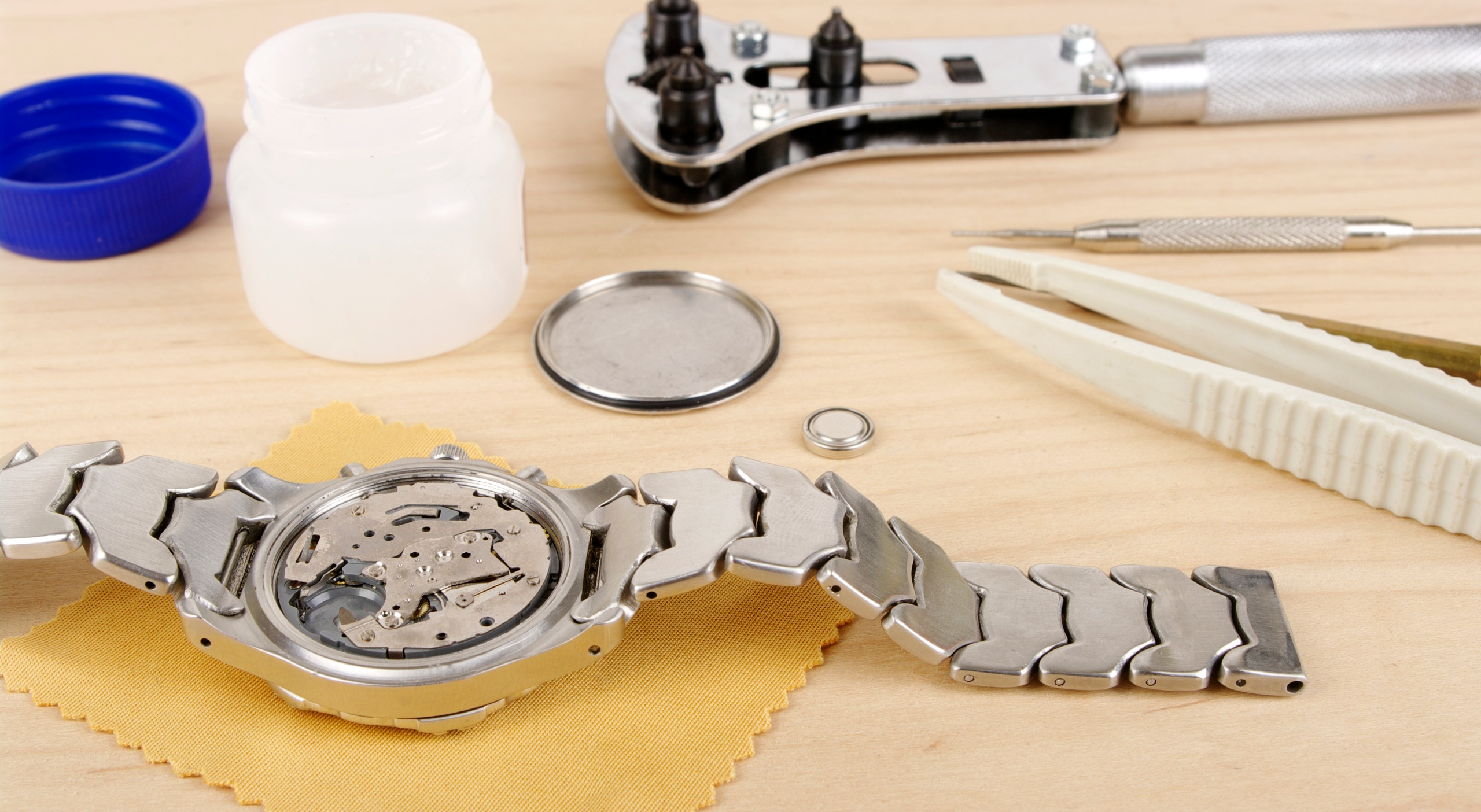 How To Clean A Silicone Watch Band: Quick Steps