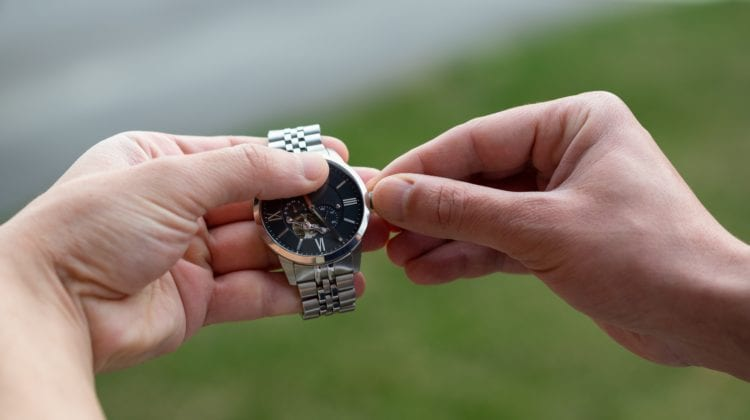 How To Change Time On An Armitron Watch