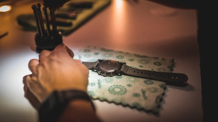 How To Open A Fossil Watch? – Tips For New Users
