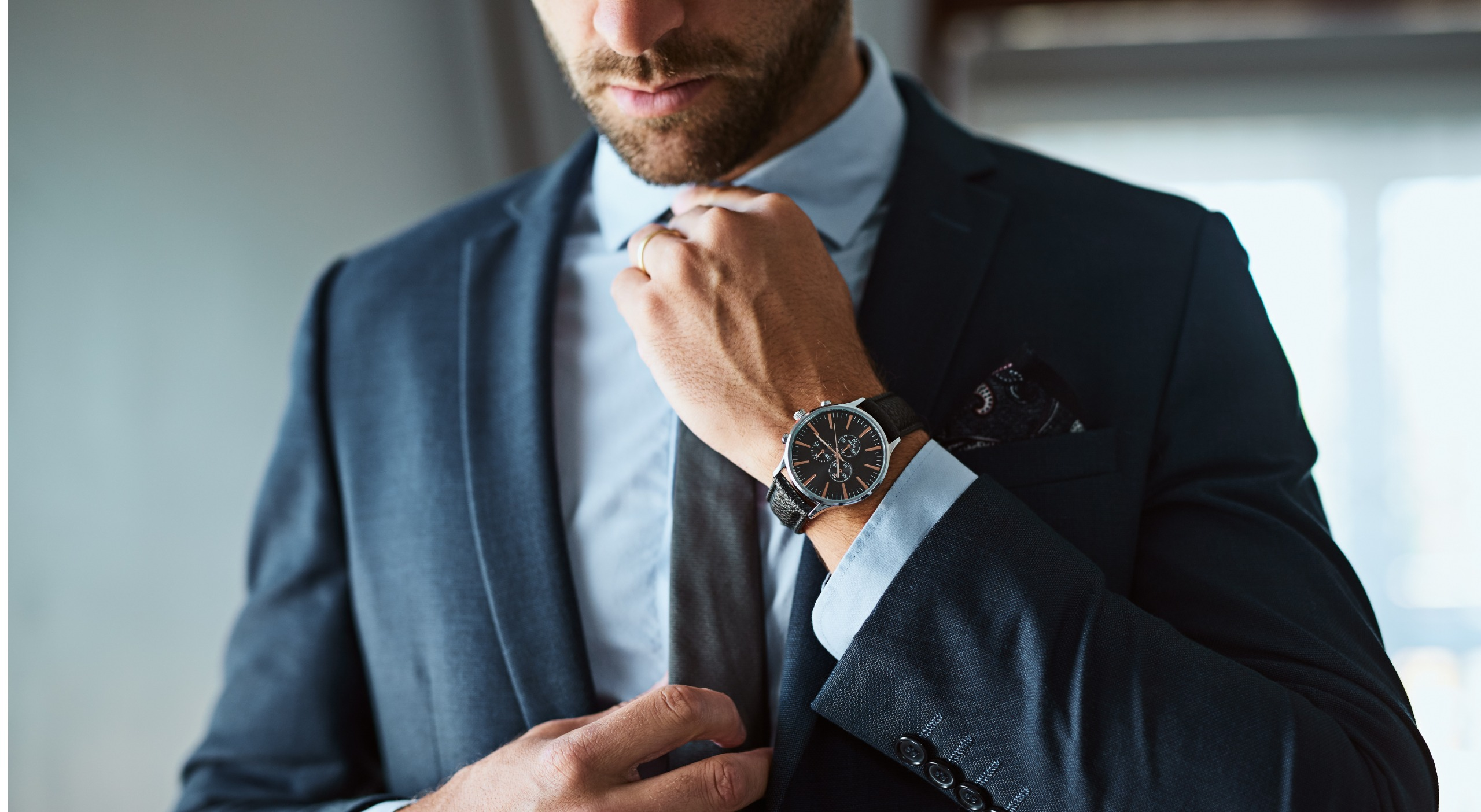 What Hand Do Men Wear Watches On: Left or Right?